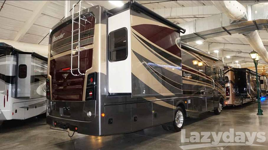 2016 Fleetwood RV Bounder 33C