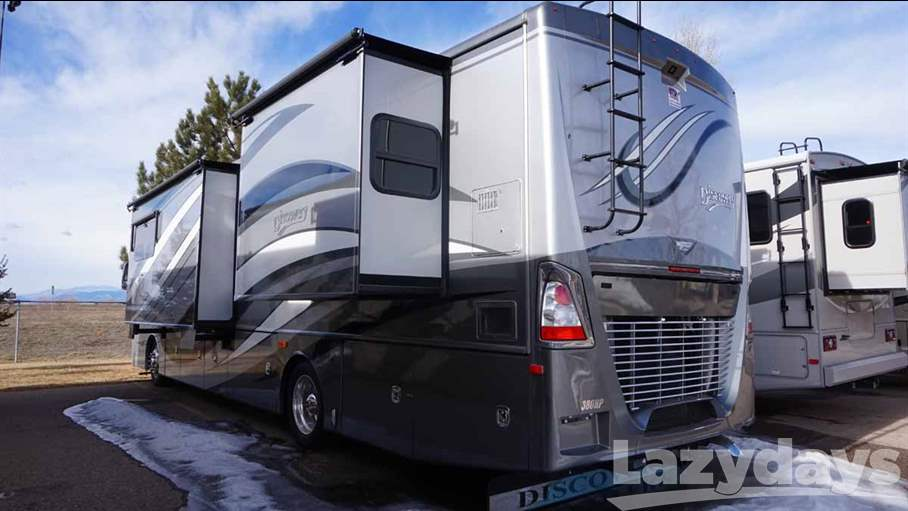 2015 Fleetwood RV Discovery 37R