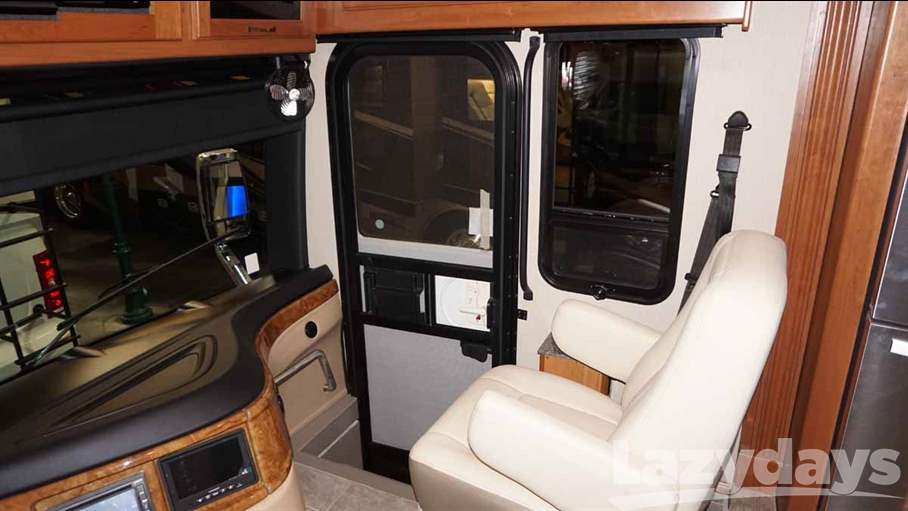 2016 Fleetwood RV Discovery 40X
