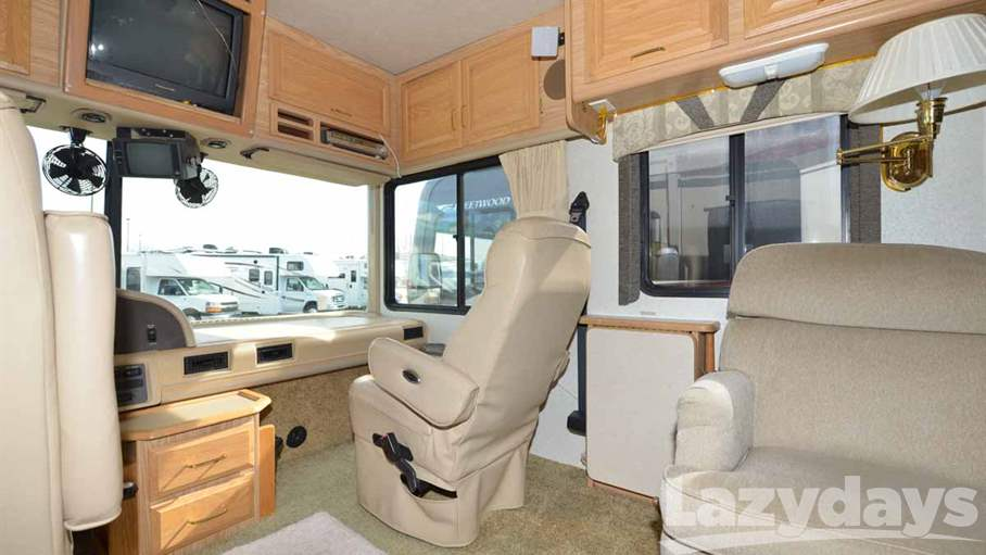 2001 Fleetwood RV Bounder 39Z