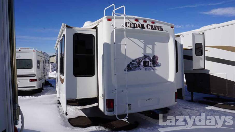 2009 Forest River Cedar Creek 36RD5S