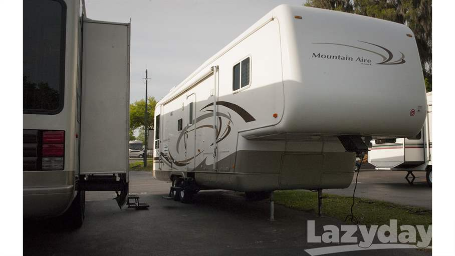 2002 Newmar Mountain Aire UNK