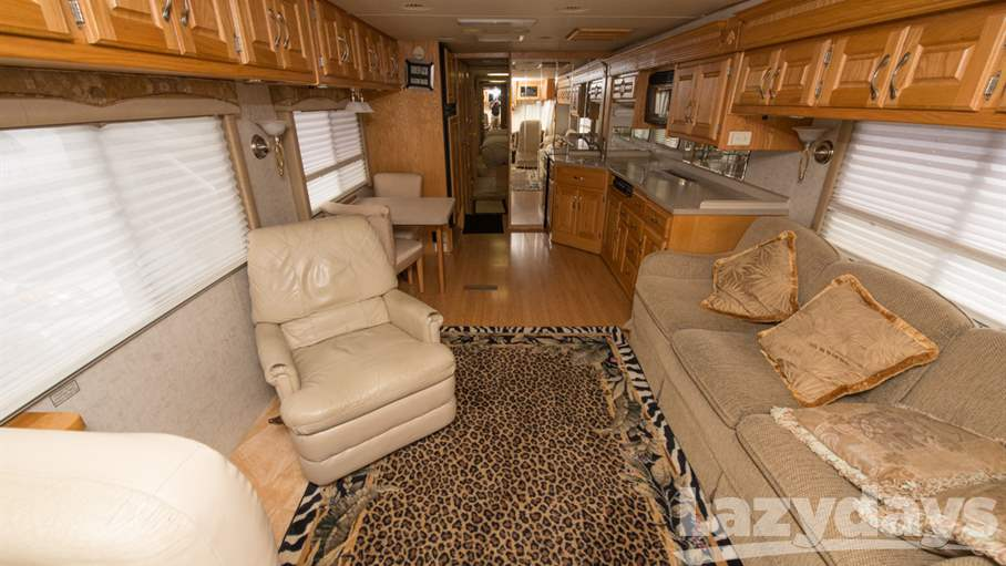 2003 Holiday Rambler Scepter 38PBD