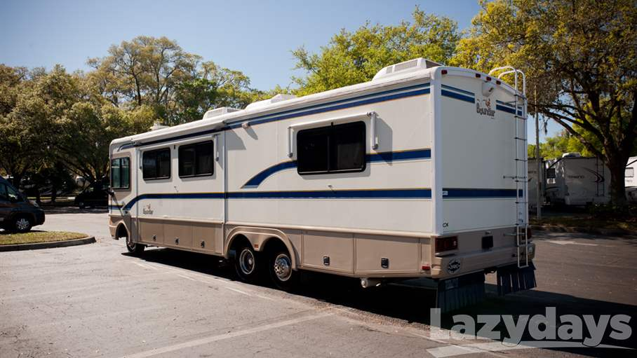 1998 Fleetwood RV Bounder 34P