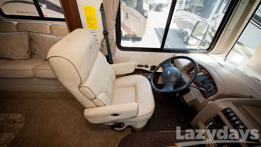 2011 Fleetwood RV Bounder 35H