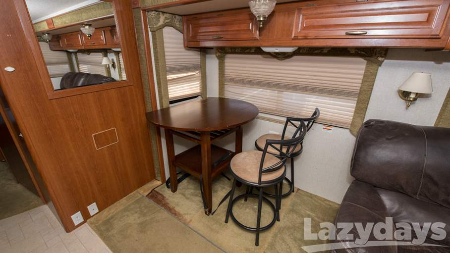 2004 Fleetwood RV Bounder 35R