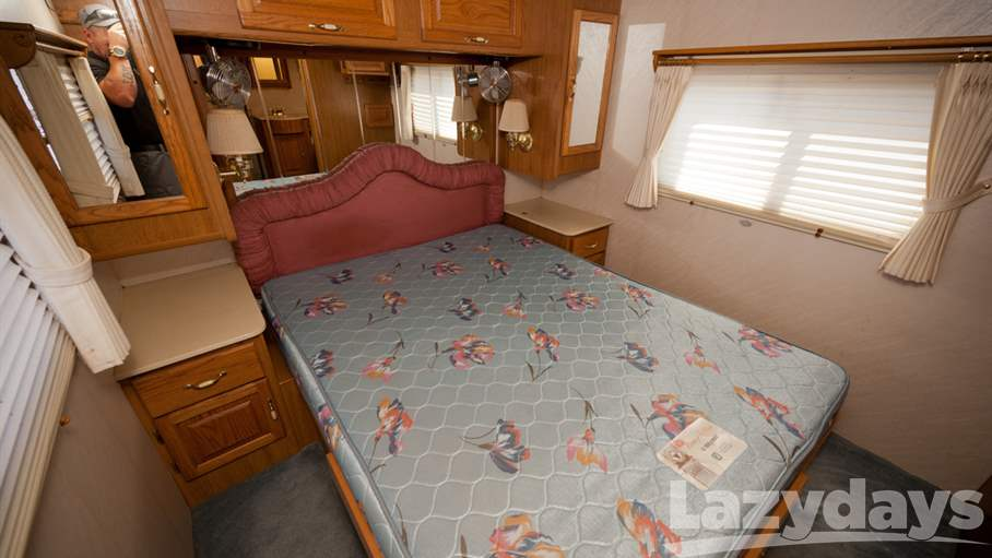 1996 Tiffin Motorhomes Allegro Bus 39RQ/SL