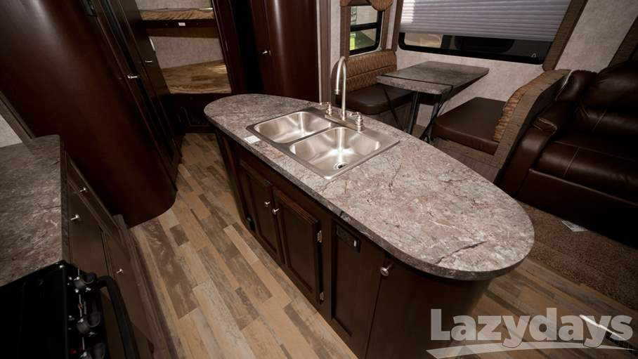 2016 Winnebago Ultralite 28DDBH