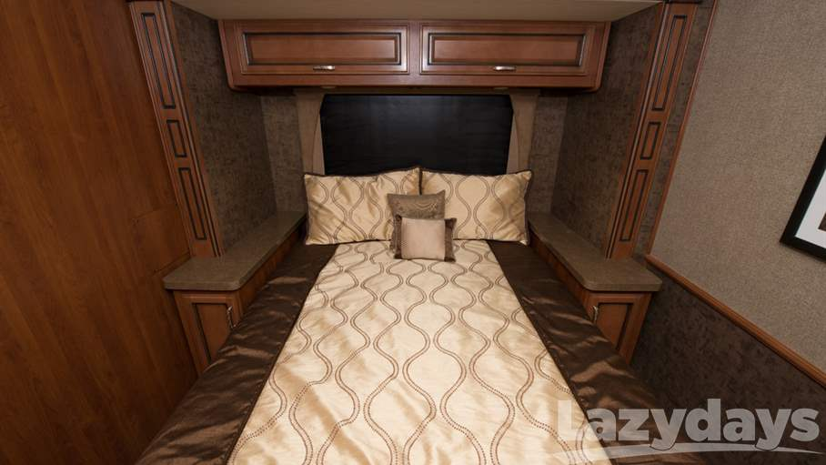 2014 Fleetwood RV Bounder 33C