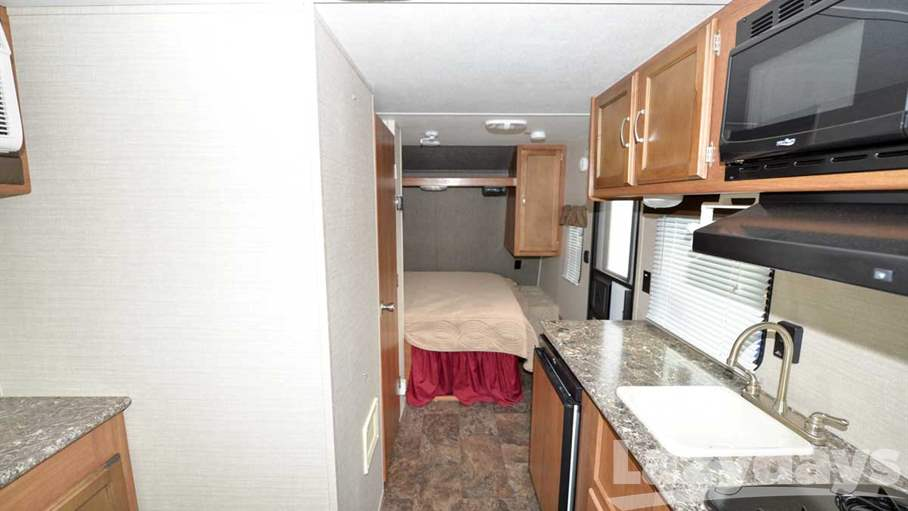 2016 Keystone RV Summerland 1750D