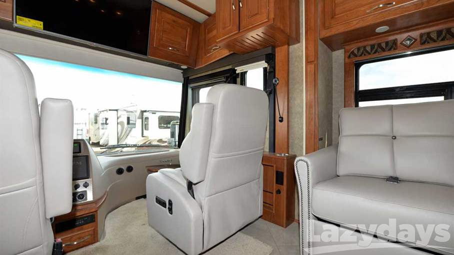 2016 Winnebago Journey 36M