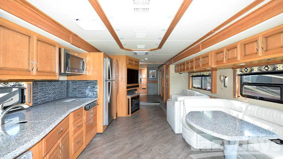 2016 Fleetwood RV Pace Arrow LXE 38K