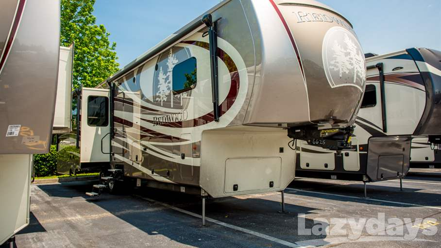 2017 Redwood RV Redwood 38RL