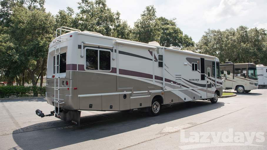 2003 Damon Intruder 373