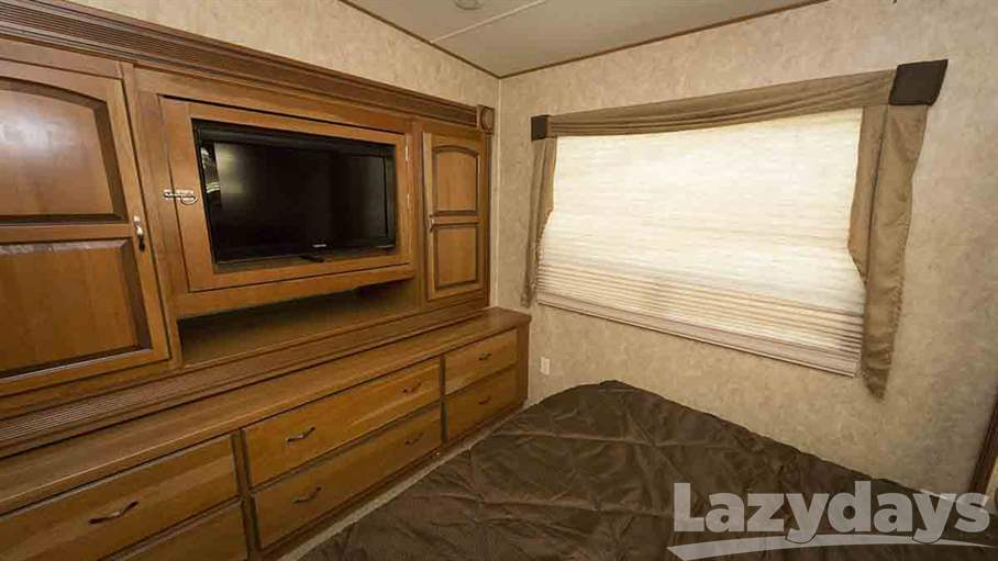 2012 Crossroads RV Rushmore 8f38fl