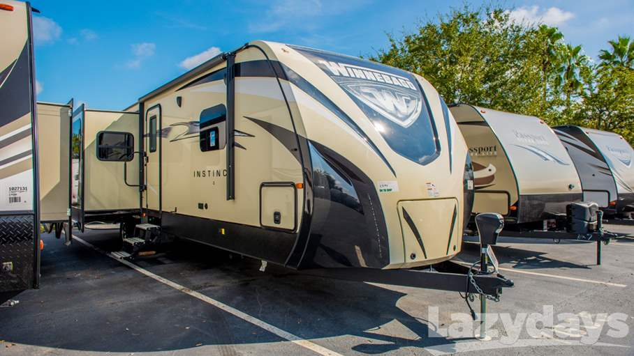 2017 Winnebago Instinct